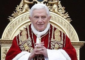 Экс-папа отверг обвинения в защите священников-педофилов