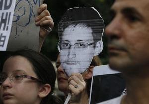 СМИ: В ФБР словно забыли о Сноудене