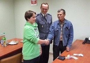Польша - утерянный бумажник - украинец - заработки - Польский школьник вернул украинцу утерянный бумажник с 5 тысячами евро
