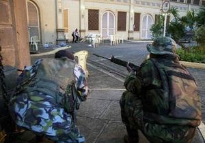 После ликвидации боевиков в ТЦ в Найроби трое военных скончались от ран