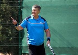С любителями ему играть неинтересно. СМИ разыскали тренеров Януковича по теннису