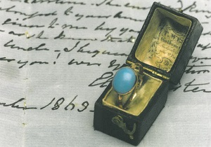 Музей отвоевал кольцо Джейн Остин у американской певицы