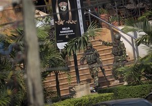 Среди нападавших на торговый центр в Найроби были граждане США - глава МИД Кении