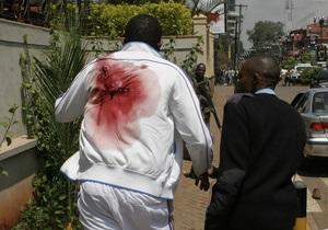 Заблокированные в ТЦ в Найроби исламисты устроили поджог