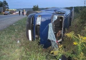Закарпатье - ДТП - автобус - На Закарпатье перевернулся автобус: один человек погиб, восемь пострадали