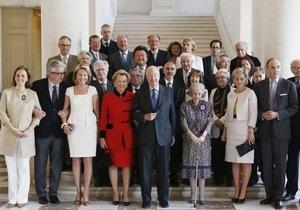 Бельгия - Члены королевской семьи Бельгии пользуются  фальшивыми  паспортами