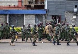 В захваченном торговом центре Найроби остаются заложники