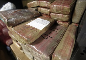 В самолете Air France обнаружили 1,3 тонны кокаина