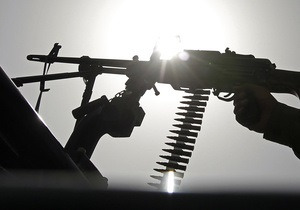 Доклад: Незаконные торговцы оружием из РФ и Украины отмывают деньги в Латвии