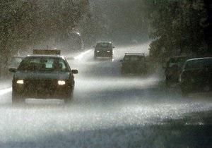 Новости Киева - ГАИ - плохая погода - дожди - Киевская ГАИ предупреждает об опасности на дорогах в связи с плохой погодой