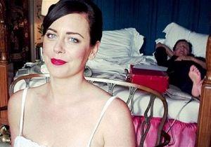 В интернете появилось фото британского премьера, спящего с секретным чемоданом