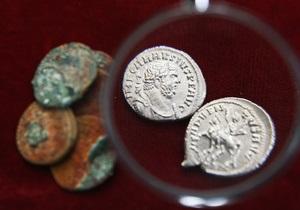 В Киеве охранник одного из музеев похитил предметы антиквариата на 100 тысяч гривен