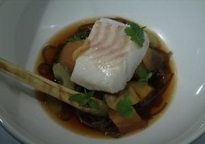 Рыбный день. Рецепт трески по-азиатски с лапшой и чили от повара Свена Эрика Ренаа