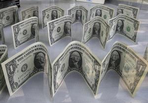 Сражаясь с долларом, Нацбанк изменил правила оборота валюты на счетах - перевод в долларах