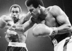 Умер победивший Мохаммеда Али боксер