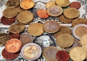 На фоне миллиардных заимствований властей валовый внешний долг Украины в первом полугодии сократился на 0,5%
