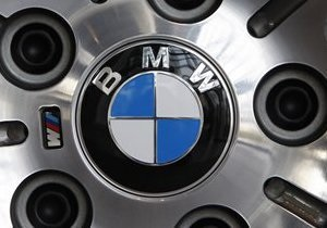 Любителям путешествий. Шпионы засняли переднеприводный кроссовер BMW - Family Activity Sports Tourer