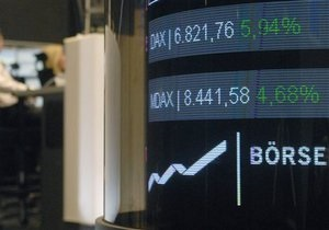 СМИ: Рекорд основного биржевого индикатора Германии не гарантирует переизбрание Меркель