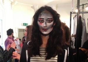 Вивьен Вествуд показала новую коллекцию в Лондоне. Репортаж с бекстейджа