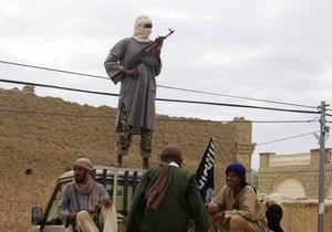 Аль-Каида обнародовала видеозапись с французскими заложниками