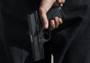 В Харькове 78-летний мужчина расстрелял стоянку, после чего покончил с собой