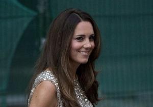 В облегающем платье. Герцогиня Кейт на первом после родов светском вечере поразила всех фигурой