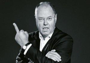 Немецкая газета опубликовала на обложке фото кандидата в канцлеры ФРГ, показывающего средний палец