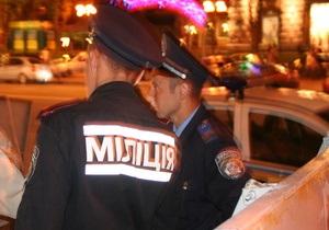 Свобода: В Киеве свободовцы отбили у охранников ресторана милиционеров, которых Беркут бросил на произвол