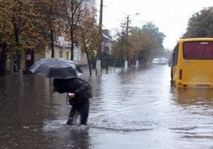Фотогалерея: После дождичка в четверг. Утренний ливень затопил Житомир