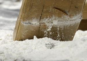Канадка везла кокаин в накладном животе
