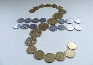 Закрытие межбанка: доллар - на месте, евро набирает форму