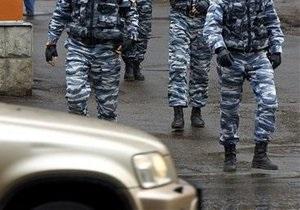 В Москве водитель элитного авто, нарушив правила движения, избил возмутившегося пешехода