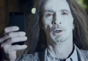 Американская разведка назвала пользователей iPhone  зомби  - сноуден - анб