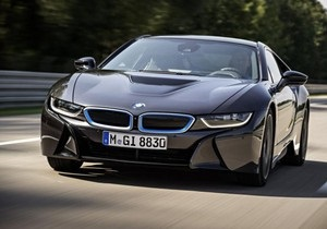 2,5 литра на  сотню  и 4,4 секунды до 100 км/час. BMW представила революционный суперкар i8