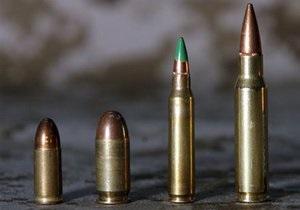 Столичные милиционеры обнаружили арсенал оружия в квартире на Борщаговке