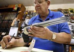 В Айове слепым американцам разрешили приобретать оружие