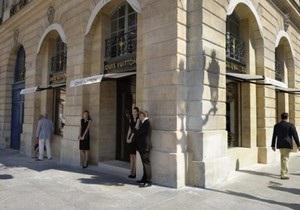 В центре Парижа из ювелирного магазина украли драгоценностей на два миллиона евро