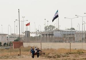 Война в Сирии: Шесть турецких самолетов направились к границе с Сирией