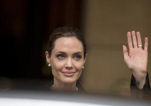 Анджелине Джоли вручат почетный Оскар