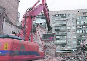 В центре Киева снесли дом, в котором жил Грушевский