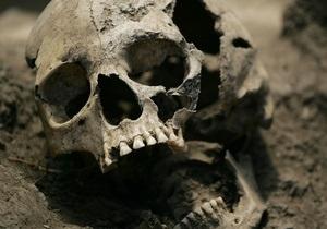 В Праге в мусорных баках нашли 16 пронумерованных человеческих черепов
