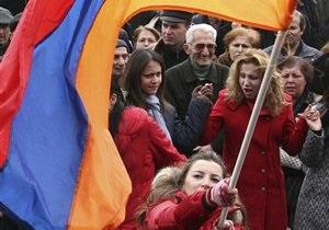 Недоумение и протесты. Армяне настроженно восприняли стремление властей в Таможенный союз - новости армении