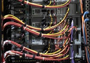 Услышат каждого. Новые правила телеком-рынка увеличат контроль спецслужб за украинцами - Ъ