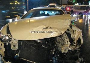В Киеве произошло ДТП с участием Maserati и маршрутки