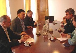Тягнибок встретился с послом США