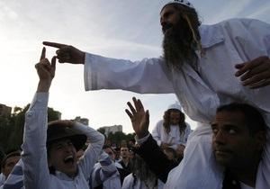 Украинские пограничники вернули троих хасидов в Израиль