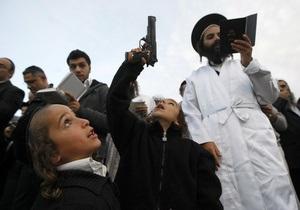 НГ: Хасиды не дают поставить крест на паломничестве