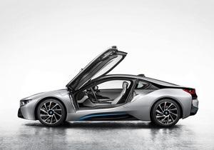 Прямо из будущего. В интернете появились фотографии суперкара BMW i8