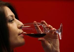 Для борьбы с пьянством среди девушек Евросоюз планирует снизить крепость вина