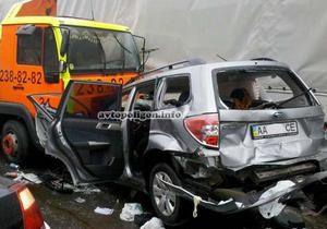 новости Киева - ДТП - эвакуатор - В Киеве эвакуатор на большой скорости протаранил пять авто